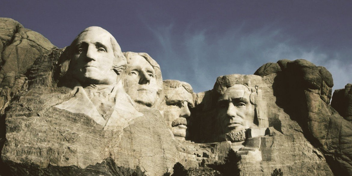 Mount Rushmore with Presidents Washington, Jefferson, Roosevelt and Lincoln