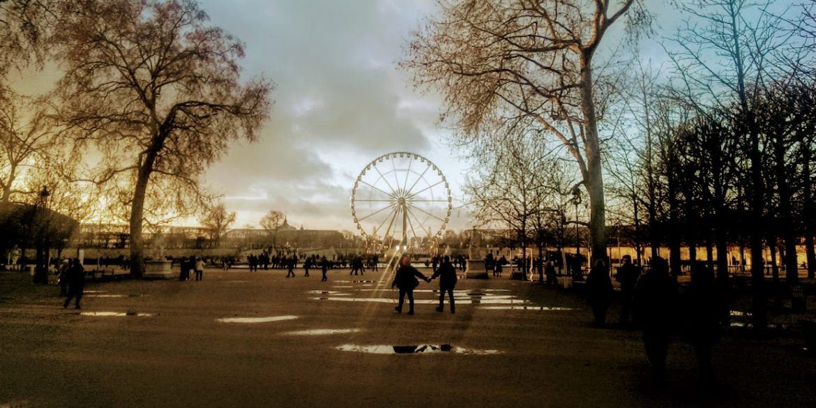 ferris wheel in Paris park