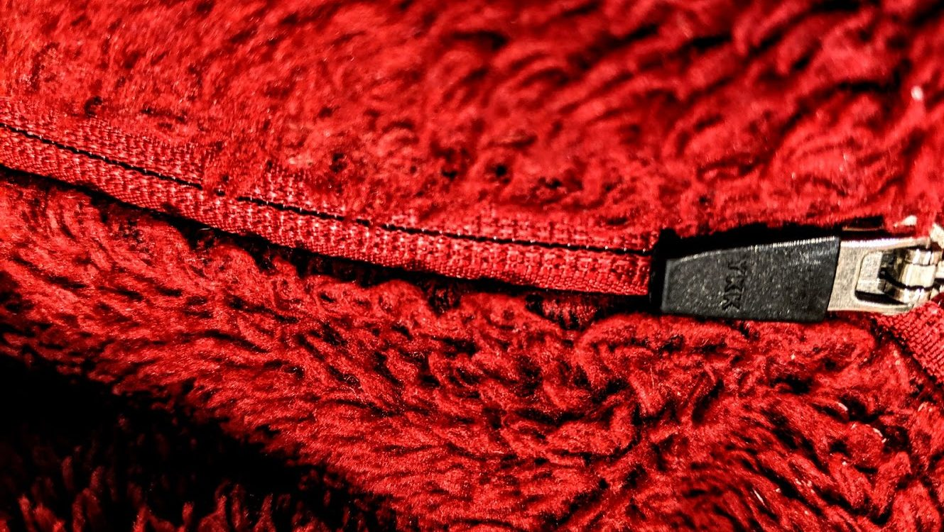 zipper in a red garment