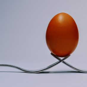 How to Balance an Egg